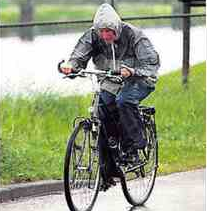 vrouw op fiets